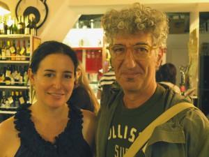 Roma 3 settembre 2012. Aimee Bender, scrittrice americana, ritratta con il disegnatore Marco Rufus Petrella a Roma alla libreria Giufà. Foto: Courtesy Ph. RINO BIANCHI
