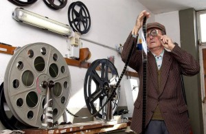 Angelo Parissi, storico proiezionista per 70 anni del cinema Palma (archivio Fabio Palma)