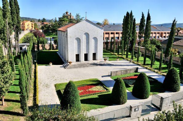 mausoleo dei 49 martiri a Gubbio